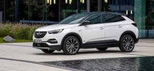 Opel Crosland X banner