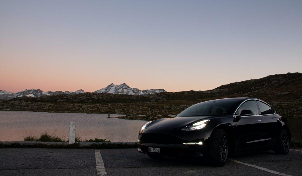 Tesla private lease nature photo
